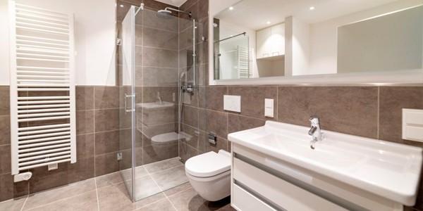 Reforma de baños de calidad en La Gangosa